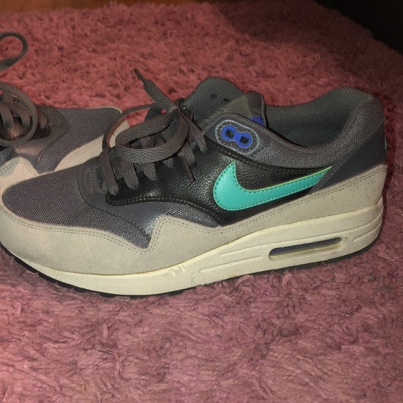 Nike Shoes   Womens Air Max 1 Essential